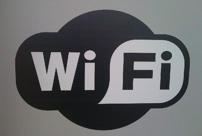 """""""wifi"""" by miniyo73 is licensed with CC BY-SA 2.0. To view a copy of this license, visit https://creativecommons.org/licenses/by-sa/2.0/"""